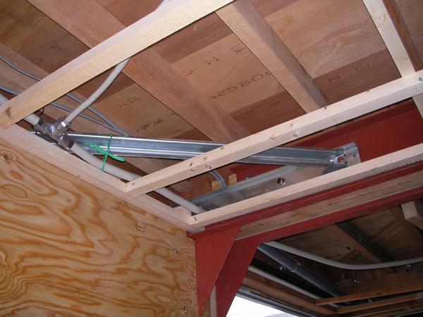 ガレージの柱、梁、土間の耐震補強工事